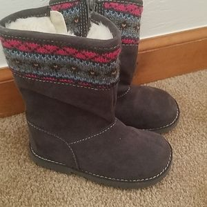 Cherokee fur lined boots